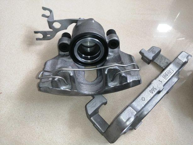 Regenerowany zaciski hamulcowe z jarzmami Audi a4 b7 2.0 TDI