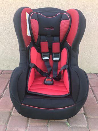 Автомобильное кресло  от полугода,до 4лет.