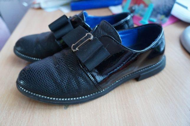 Туфли лоферы р.35 в школу, стелька 22 см