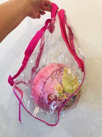 Мяч disney в большом прозрачном рюкзаке