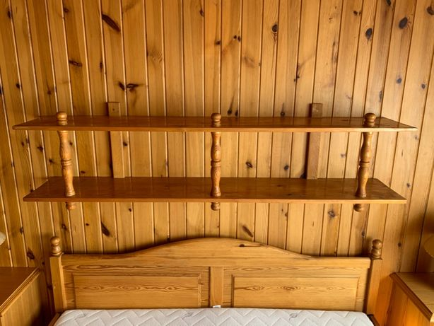 Półka Drewniana Sosnowa Wisząca Nad Łóżko