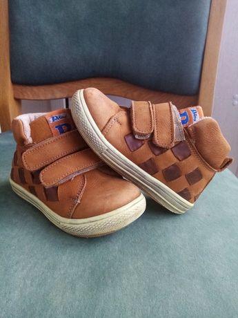 Осінні шкіряні черевички