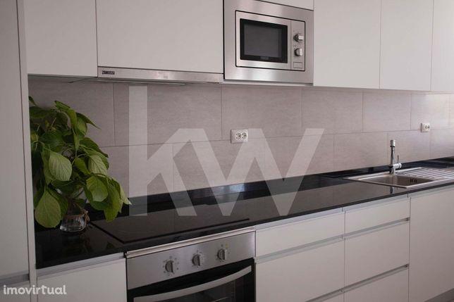 Fantástico Apartamento de 2 assoalhadas na Quinta das Palmeiras