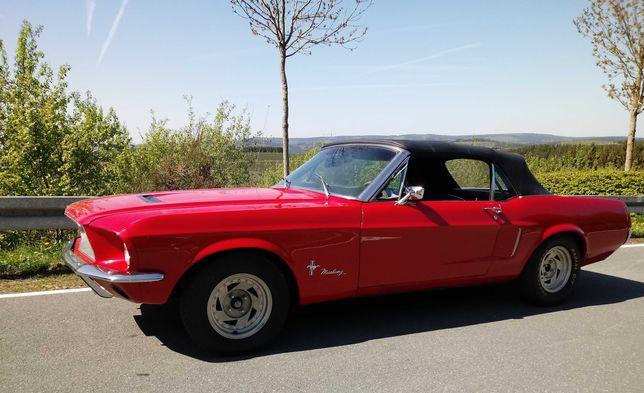 Ford Mustang do ślubu / samochód / kabriolet / klasyk / cabriolet