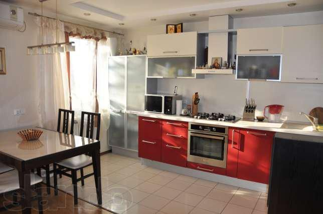3 комнатная с ремонтом и мебелью
