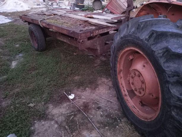 Vendo  reboque agricola c bascula e documentos e Grua traseira 1000kg