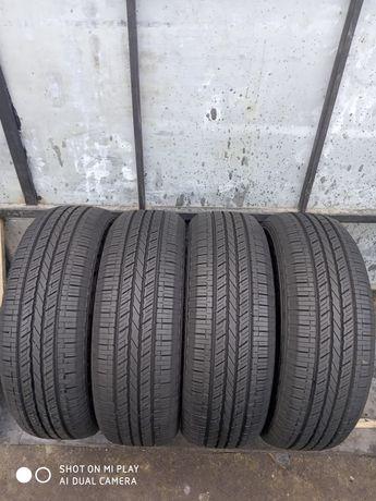 Продам шини 235/65R17