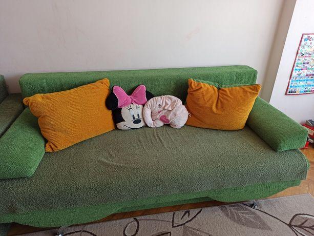 Продам у хорошому стані диван