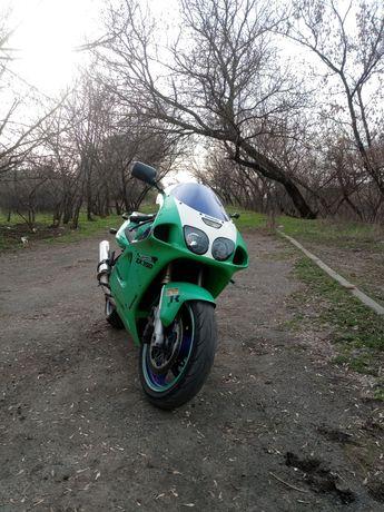 Продам Kawasaki ninja zxr750