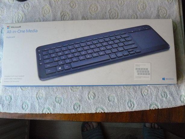 Bezprzewodowa klawiatura Microsoft z touchpadem bluetooth