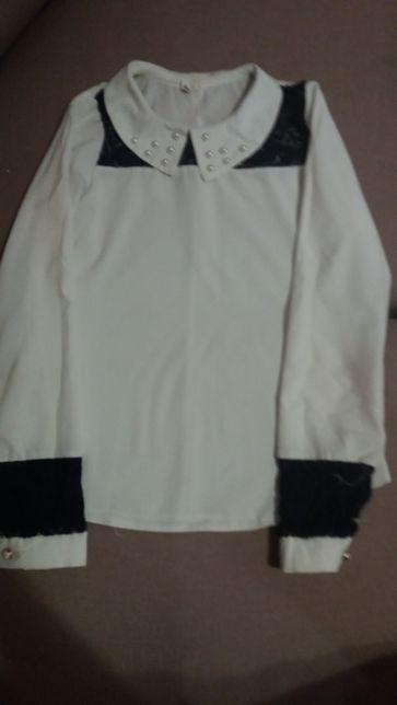 Продам школьную блузку на девочку 8-10 лет