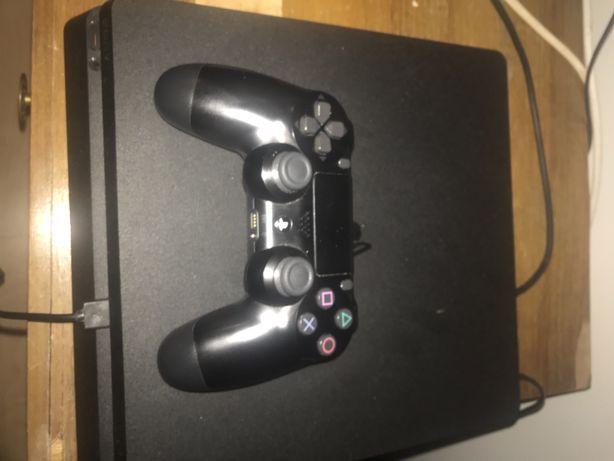 Vendo playstation 4 como nova