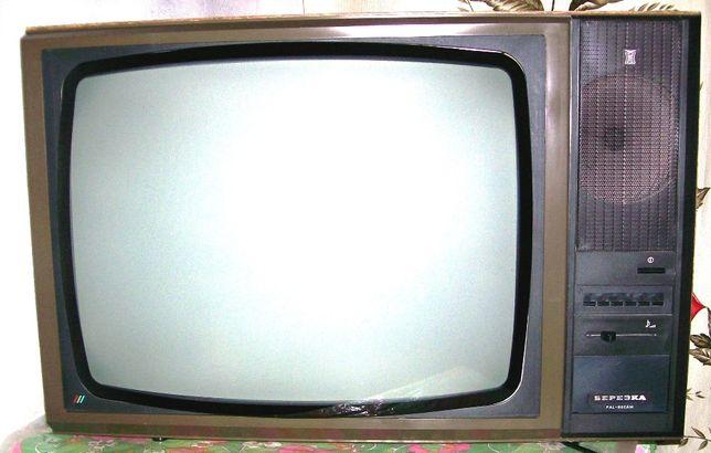 Экспонаты для музея советской радиотехники.