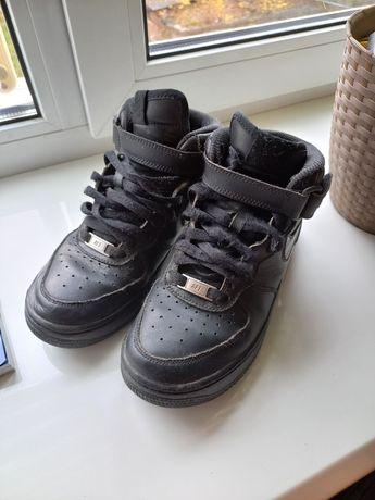 Ботинки Nike 36.5 розмір