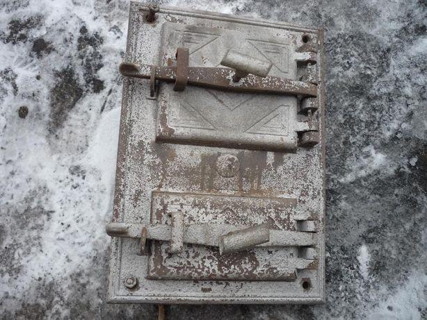 Drzwiczki żeliwne do pieca , lub wędzarni.