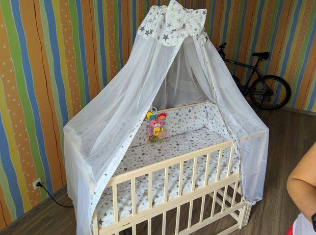 Детская кровать и комод