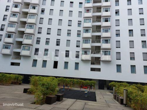 Apartamento T2 em condomínio fechado
