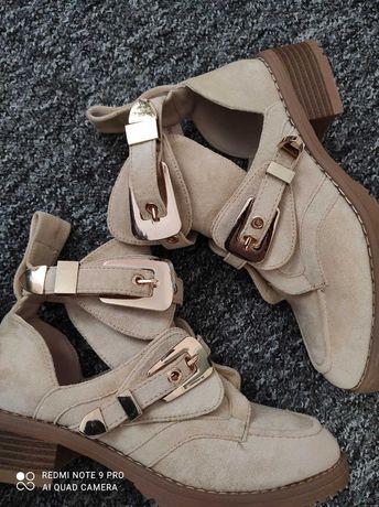 Новая стильная обувь