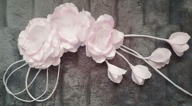 Kwiatek do fryzury ślubnej lub wieczorowej-róż