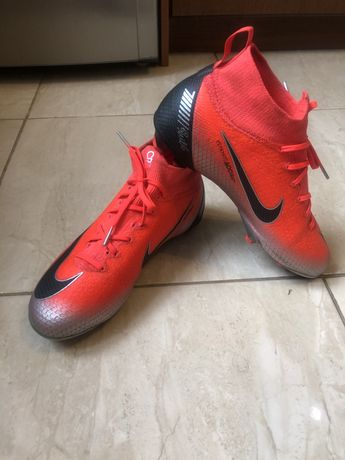 Бутсы, сороконожки, Nike Mercurial CR7