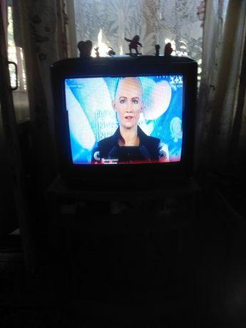 Продам телевизор Панасоник.