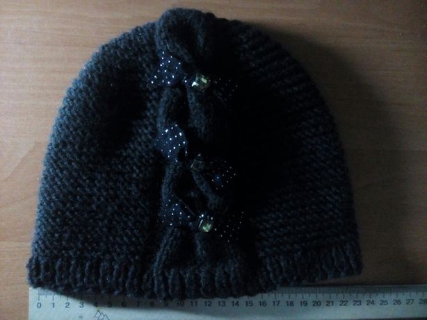 Женская вязанная шапочка, молодежная
