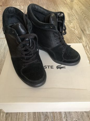 Сникерсы/ботинки Lacoste