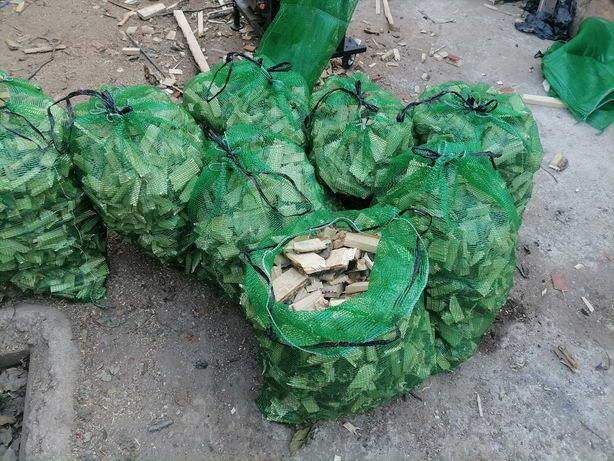 Дрова ясен,сосна,фруктовые породы измельчённые в сетках