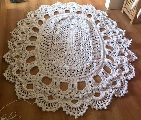 Owalny dywan ze sznurka 218 na 165 cm