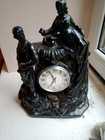 Настольные или каминные часы Молния Хозяйка медной горы