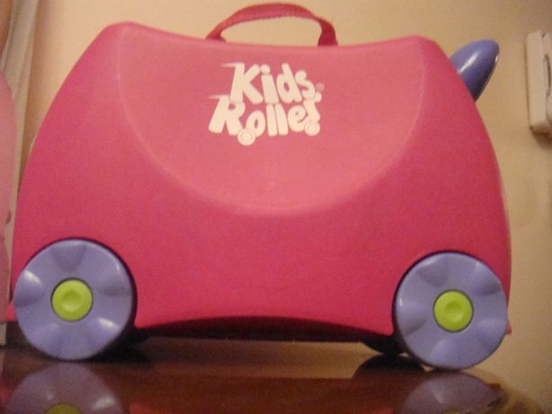 Детский чемодан на колесах kids rollers