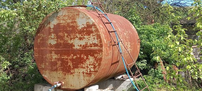 Цистерна. Бочка железная, 10 кубов. Емкость металлическая 10 м².