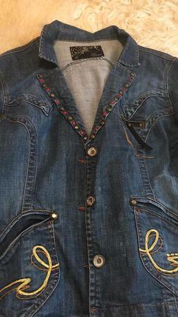 Курточка джинсовая качество симпатичная 44-46 размер Рукав 64, плечи45