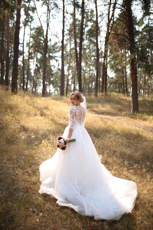 Весільна сукня, Dominiss Normann, 2019.