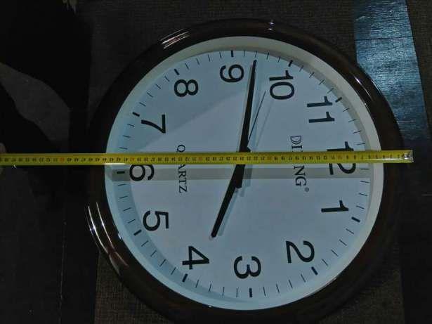 Часы Dilling