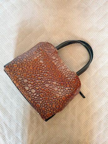 torebka włoska skóra lakierowana brązowa Vera Pelle