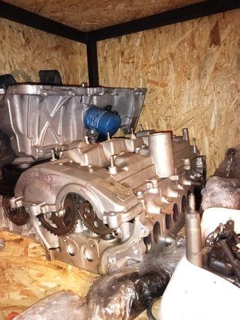 Głowica kompletna toyota Lexus d-cat 177km