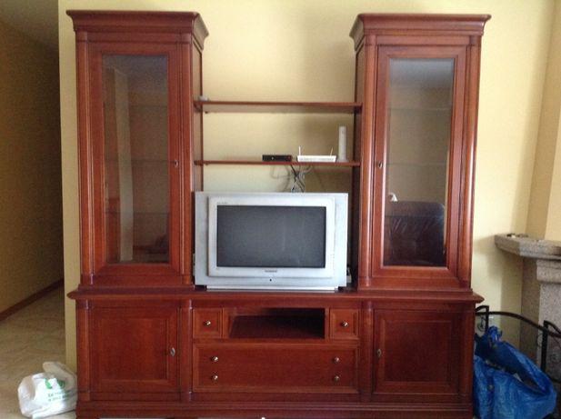 Móvel TV em madeira maciça
