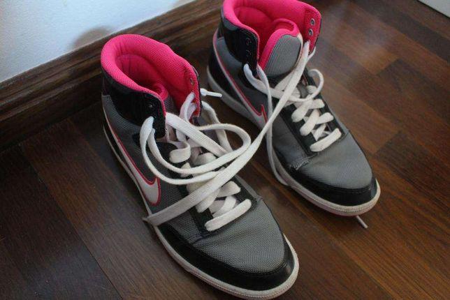 Ténis Nike Cano Alto
