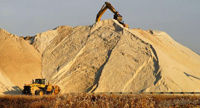 Песок щебень бетон вывоз мусора чернозём бут отсев