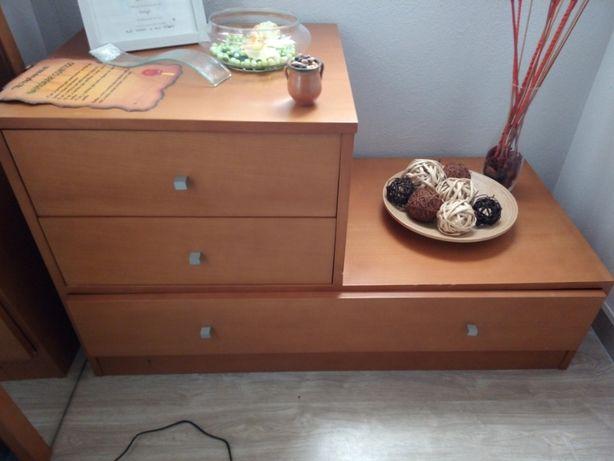 cómoda com 3 gavetas