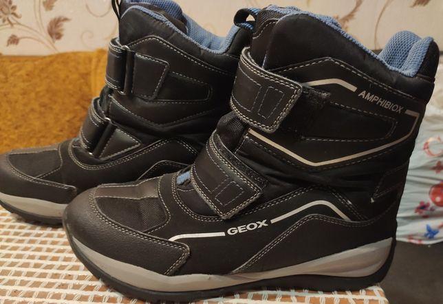 Продам зимние ботинки Geox Amphibiox на мальчика 40 р-р