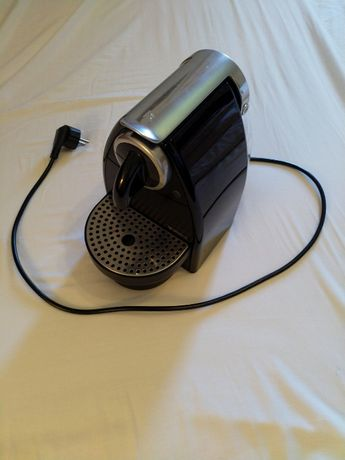 Máquina Nexpresso Krups XN2120 - ligeira avaria