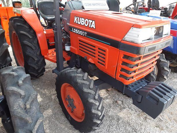 Tractor Kubota L2500 DT, Matrícula, 30cv,ano 2002,1354h,óptimo estado