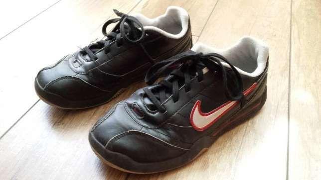Buty NIKE sportowe, skórzane, roz. UK 3,5; EUR 36; 23cm czarne.