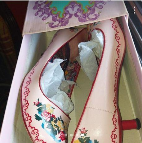 Sapatos rosa senhora pintados