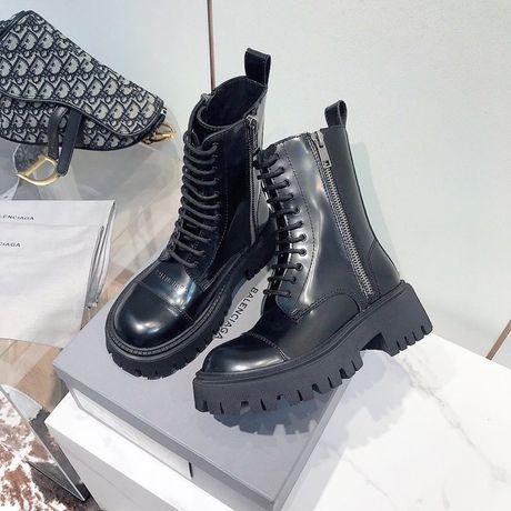 Женские Ботинки высокие Balenciaga