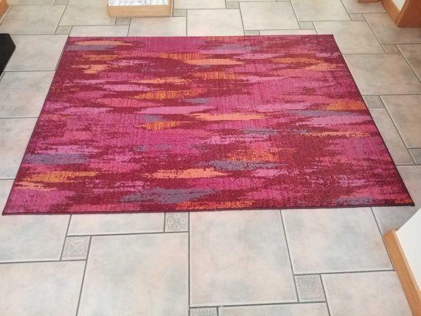 Carpete rosa/vermelho multi color praticamente nova