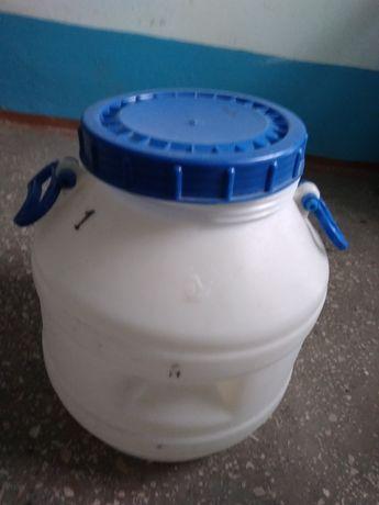 Бидон пластмассовый на 40 литров