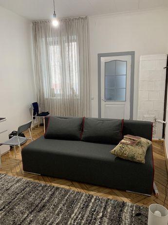 Продаж квартири по вул. Замарстинівській(Форум)
